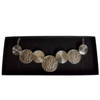 Engraved necklace - zebra