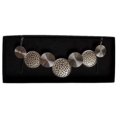 Engraved necklace - leopard