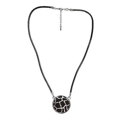 Engraved necklace - giraffe p